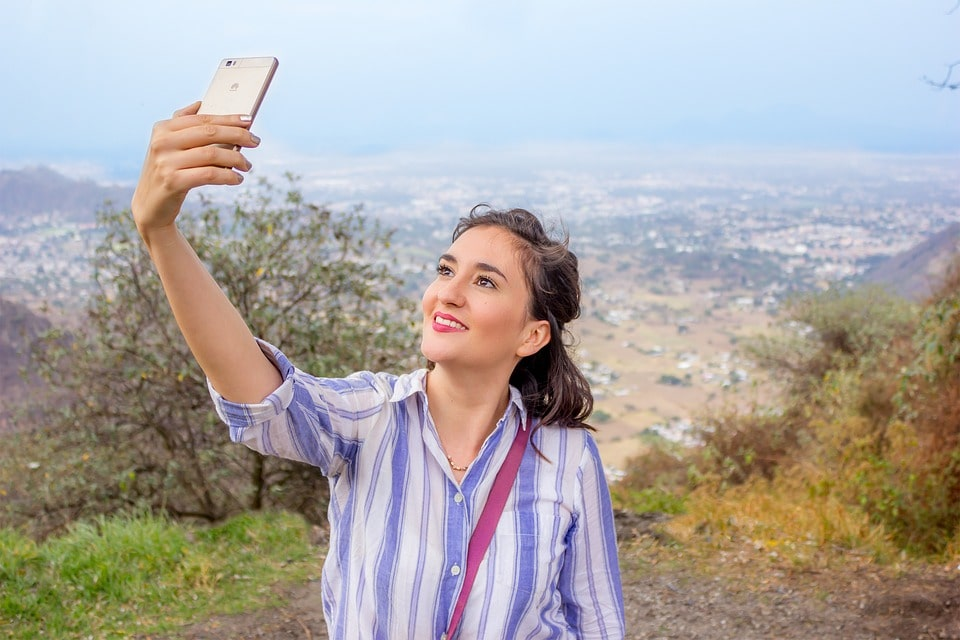 Huawei P30 Pro mobiltelefon kiterjesztett valósággal