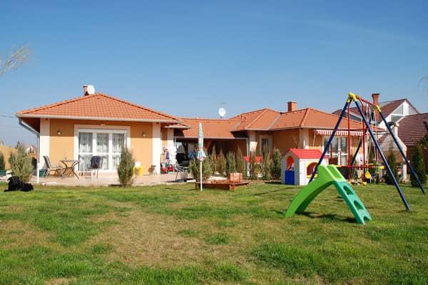 előregyártott házak